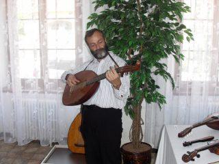 Výstava hudebních nástrojů